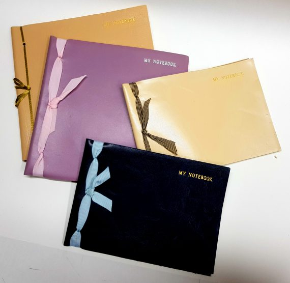 A5 and A4 squared plain notebooks at 72 and width 1280